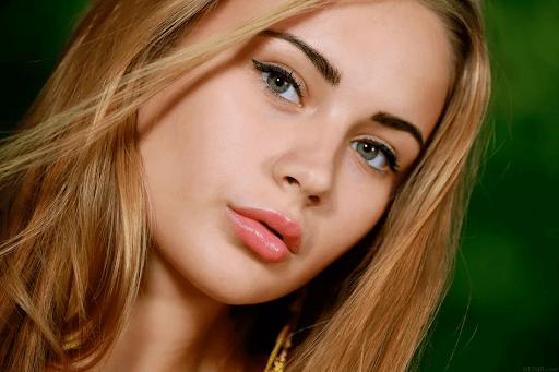 Обладательницам зеленых глаз блонд